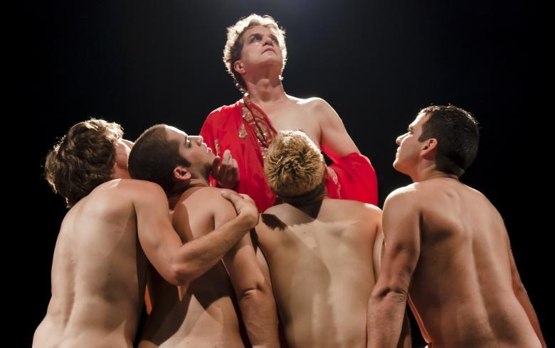 Сексуальные сцены в калигуле, порно слишком растянутыми дырками