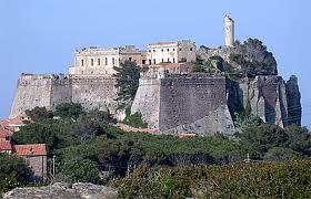 Капрайя - крепость Сан-Джорджо