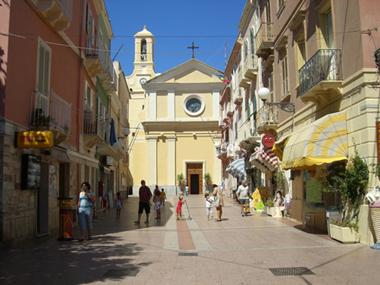 Город Карлофорте - остров Сан-Пьетро, Сардиния