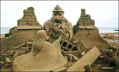 Песчаные фигуры на пляже Езоло