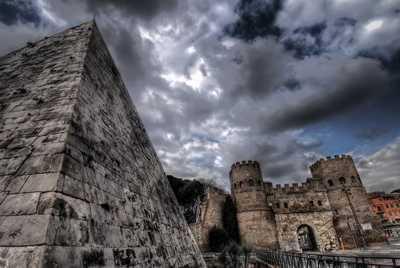 Рим - Пирамида Цестия