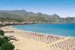 Джардини Наксос - пляжи города